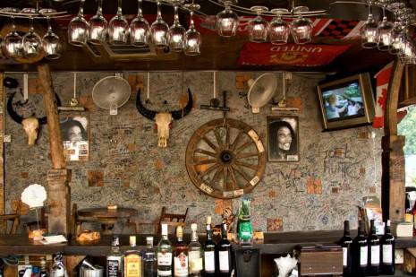 the wooden pub batu ferringhi