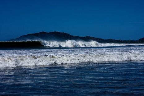 Big wave swell at Tamarindo Beach